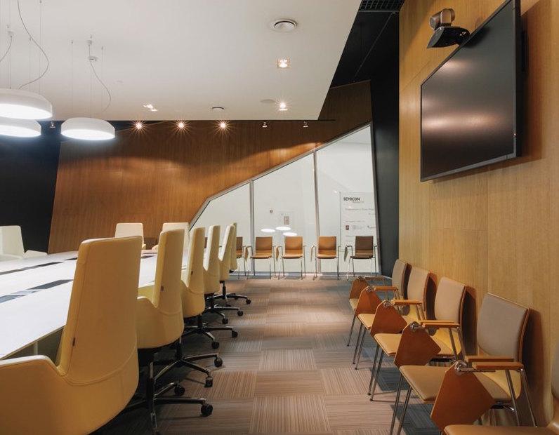 Офис Технополис Москва, Graphic London2