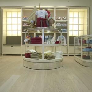 Oak knotless white_Shop_Spain